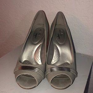dexflex comfort Shoes - Grey Open Toed Pumps